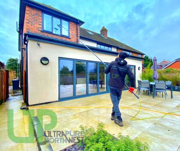 Window Cleaner in Markland Hill Bolton